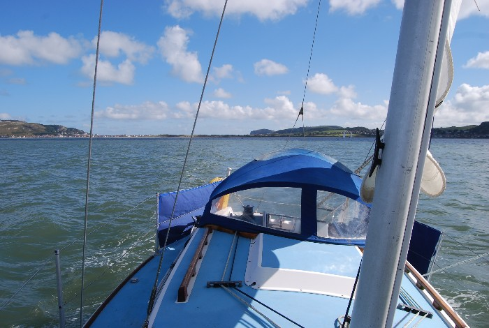 Solo sail on auto pilot