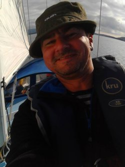 Neil selfie on the bow
