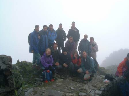 Group foto on top of Snowdon